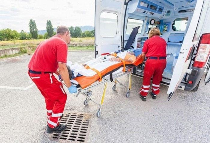 Перевозка больного с переломом шейки бедра 1