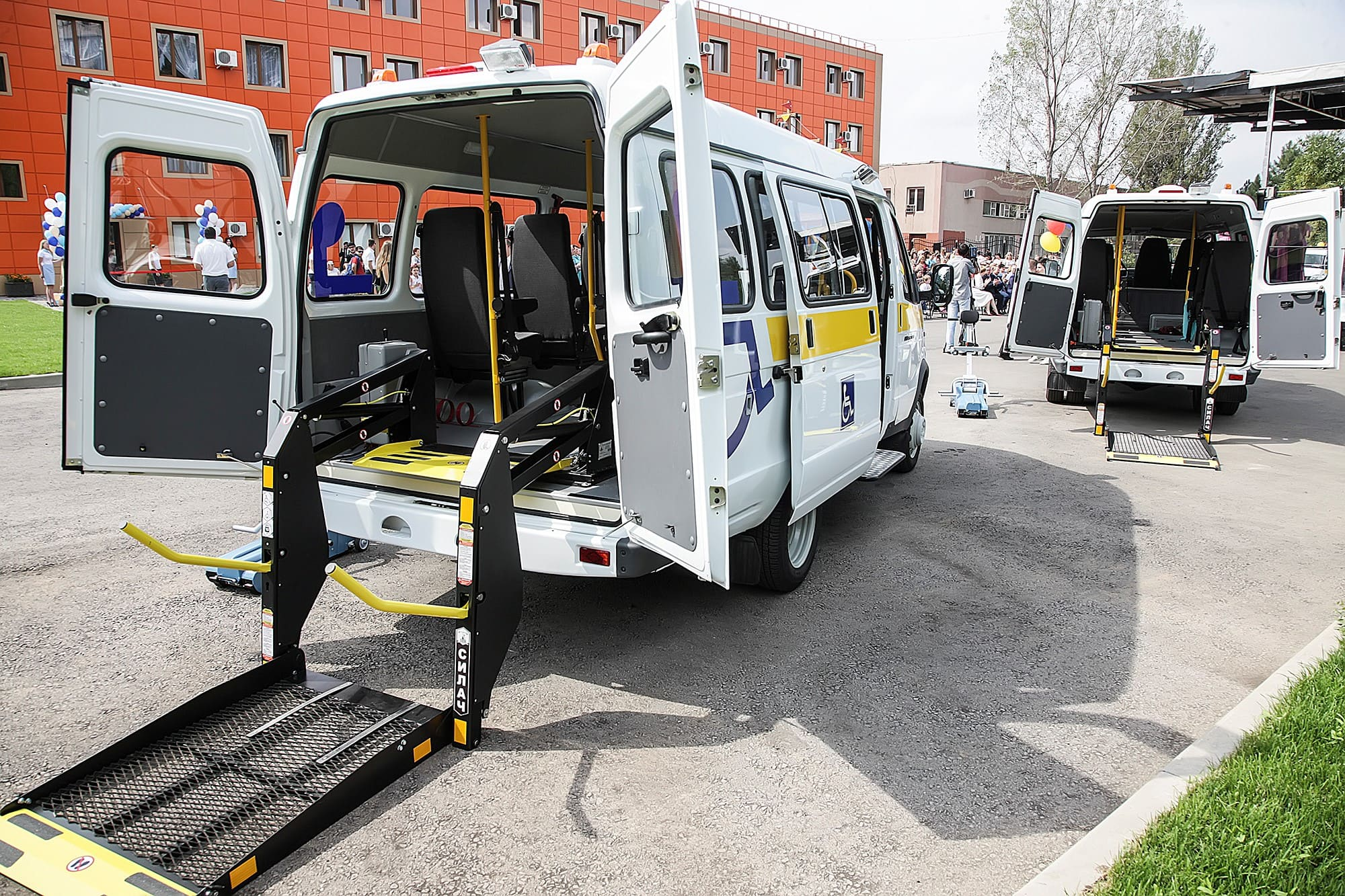 Перевозка маломобильной части населения и инвалидов 2