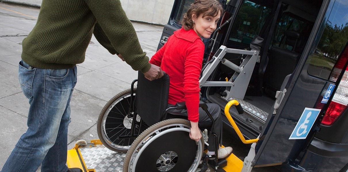 Перевозка людей с нарушениями опорно-двигательного аппарата
