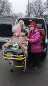 Перевозка лежачего больного в другой город