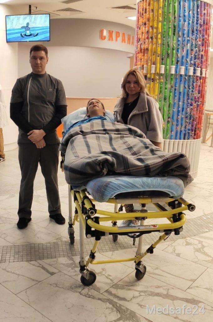 Услуга профессиональной перевозки лежачих больных